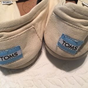 Men's Off White Toms 11.5 UC